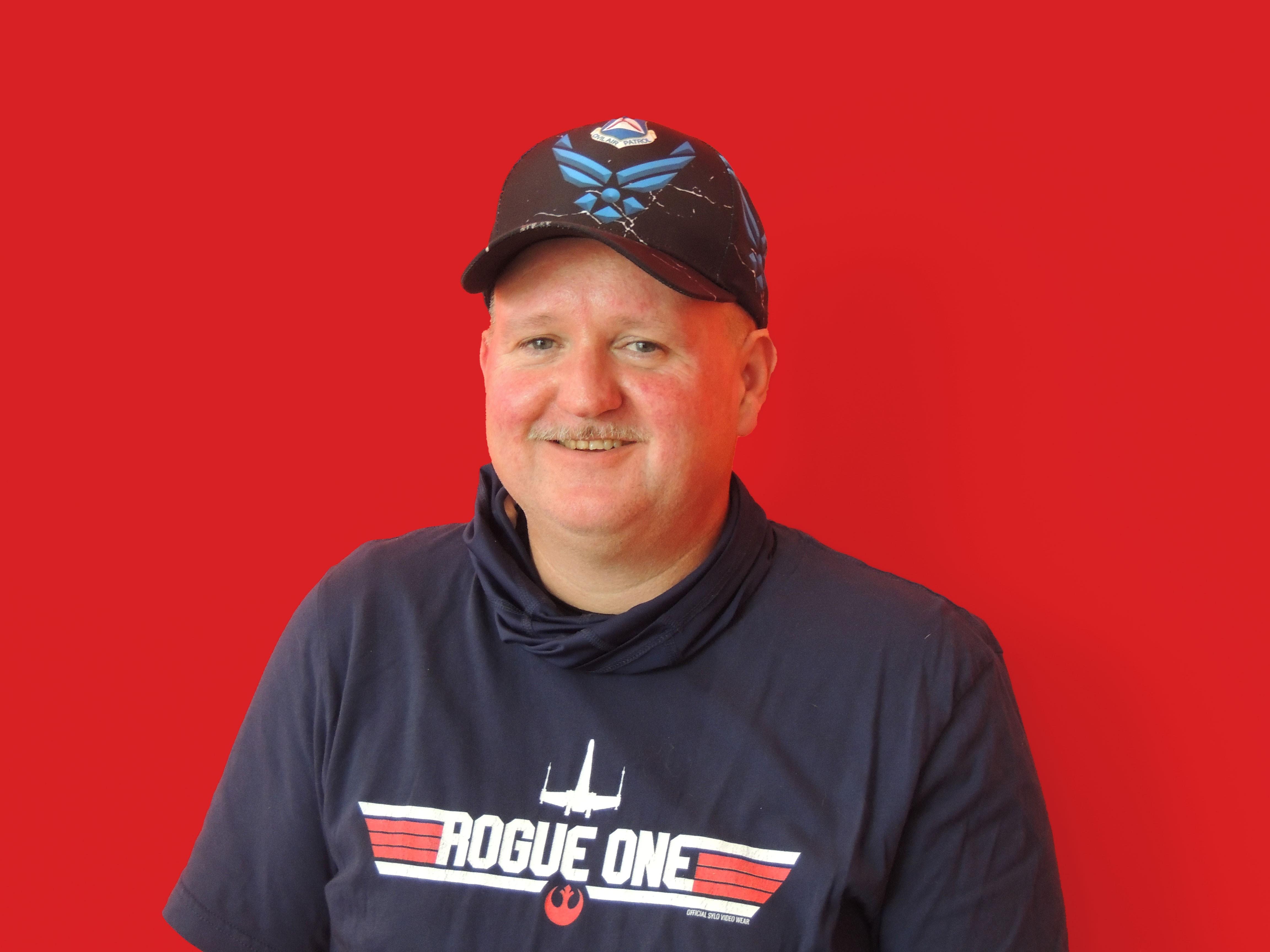 Headshot of Steve Savage, Raymond Employee, and air show volunteer.